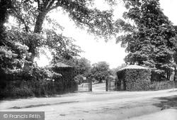 Romford, The Entrance To Raphael Park 1908