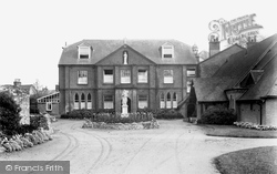 Romsey, Abbey House Convent 1932