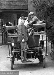 Romsey, Carriage At The White Horse Hotel 1903