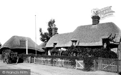 Romsey, The Old Thatched Cottage 1911