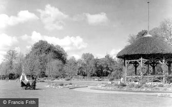 Romsey, War Memorial Park 1932
