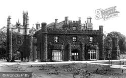 Rood Ashton, House 1900