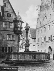 St George's Fountain c.1930, Rothenburg