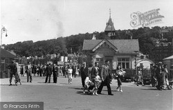 Rothesay, Arrival Of The Steamer c.1955