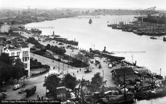 Photo of Rotterdam, Oosterkade c.1930