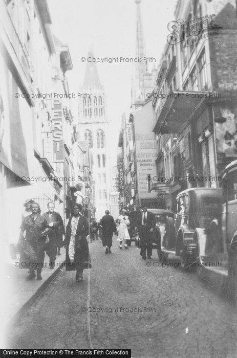 Photo of Rouen, Rue Du Gors Horloge c.1930
