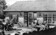 Rowen, Willow Cafe c.1960