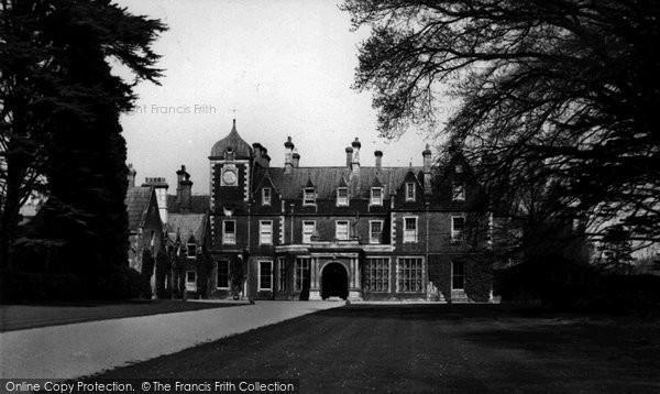 Rowlands Castle photo