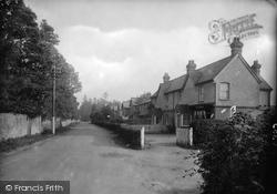Frensham Road 1918, Rowledge