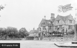 The Peacock Hotel c.1955, Rowsley