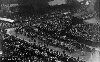 Royalty, Coronation of King Edward, Procession in Parliament Square 1902