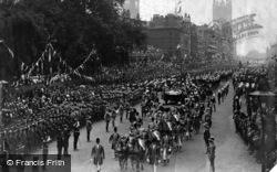 Coronation Procession From Canadian Arch 1902, Royalty