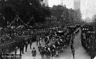 Royalty, Coronation Procession from Canadian Arch 1902