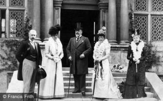 Royalty, King Edward VII and Queen Alexandra visiting the Treasurer's House, York c1905