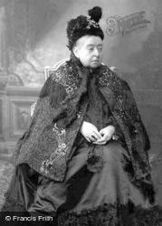 Queen Victoria c.1900, Royalty