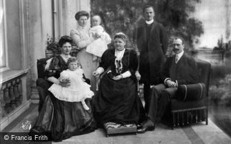 Royalty, The Duchess of Albany and Family c1908