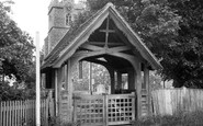 Roydon, St Peter's Church and Lych Gate c1955