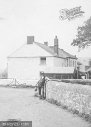 A Village Man 1911, Ruan Minor