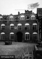 Rufford Old Hall 1953, Rufford