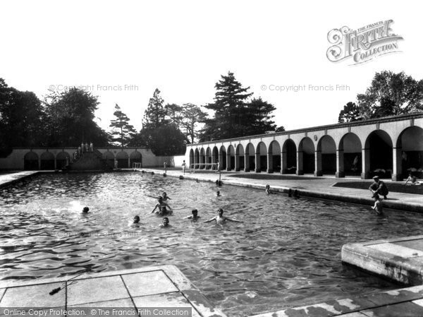 Old historical nostalgic pictures of west midlands yourlocalweb Clifton high school swimming pool