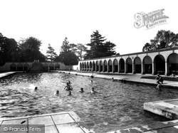 Rugby, School, Open Air Swimming Baths 1932