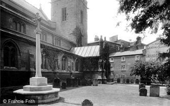 Rugby, St Andrew's Parish Church and War Memorial 1922