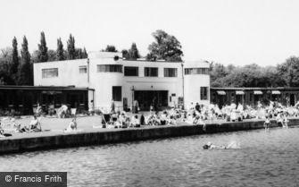 Ruislip, the Lido Art Deco Building c1965