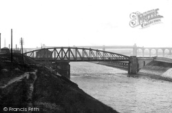 Runcorn, Swing Bridge And Canal 1900
