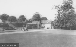 Rushden, Hall Park c.1965