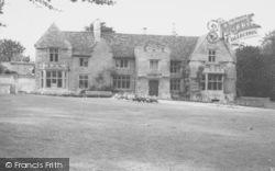 Rushden, Hall Park Manor c.1965