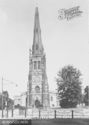 Rushden, St Mary's Church c.1955