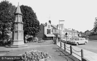 Rushden, the War Memorial c1960