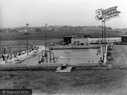 Rustington, Mallon Dene, Swimming Pool And Skating Rink c.1950