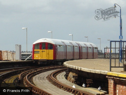 Ryde, Train Arriving On Esplanade 2005