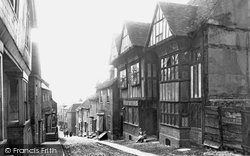 Mermaid Street 1888, Rye
