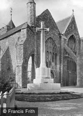 Rye, Parish Church of St Mary and War Memorial 1921
