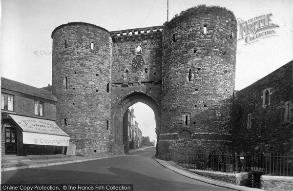 Photo of Rye, The Landgate, North View 1925