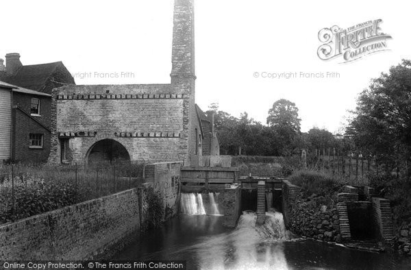 A photo from 1907, showing what remains of the mill after it burnt down in 1900. Reproduced courtesy of The Francis Frith Collection