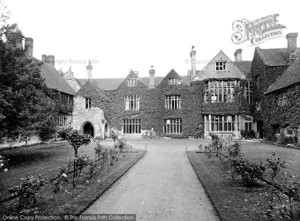 Photo of Salisbury, King's House Teacher Training College 1928