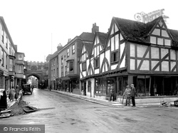 Salisbury, Old House In High Street 1928