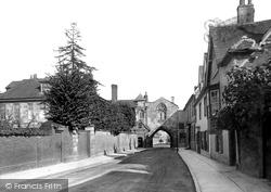 Salisbury, St Ann's Gate 1911