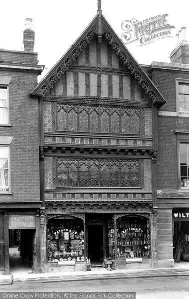Photo of Salisbury, Ye Halle Of John Halle 1913