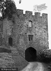 Saltash, Trematon Castle c.1965