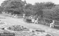 Saltburn-By-The-Sea, Family In The War Memorial Gardens 1932