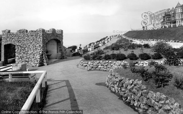 Photo of Saltburn By The Sea, The Grotto 1932