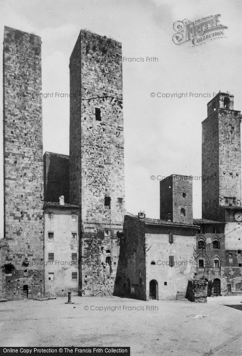 Photo of San Gimignano, Piazza Delle Erbe And Towers c.1910