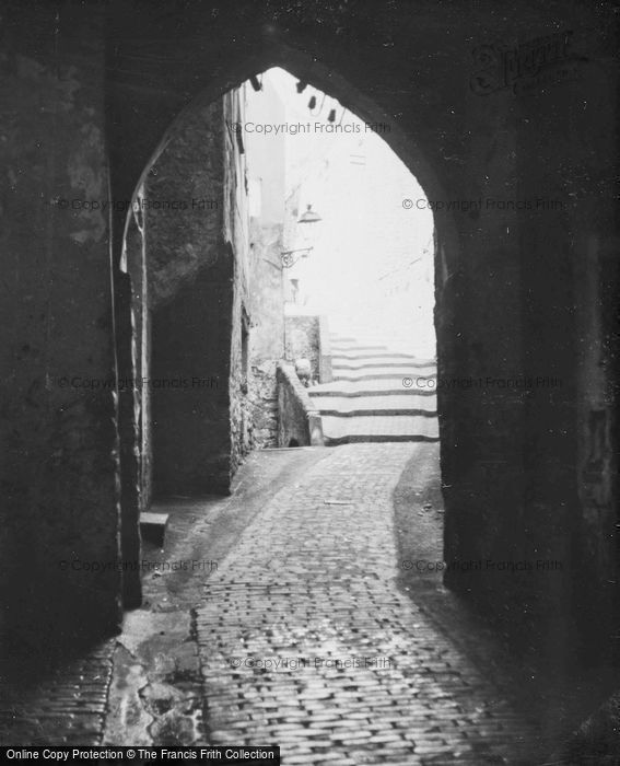 Photo of San Remo, Archway c.1939