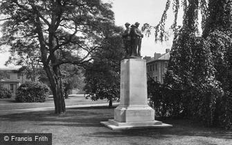 Sandhurst, Royal Military College, War Memorial to all men 1927