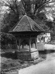 Sandhurst, The Wishing Well c.1960