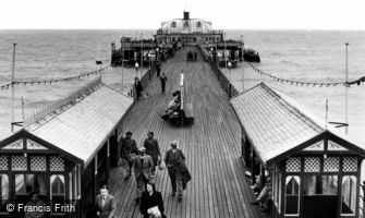 Sandown, the Pier c1955
